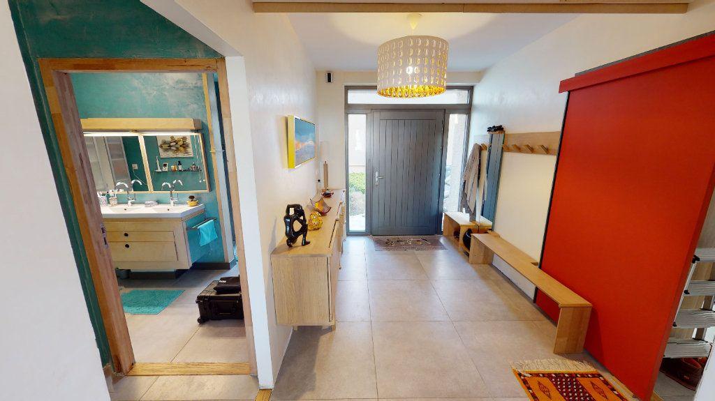 Appartement à vendre 5 155m2 à Montbrison vignette-1