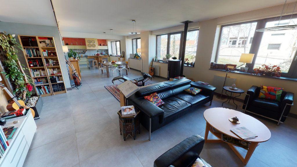 Appartement à vendre 5 155m2 à Montbrison vignette-3