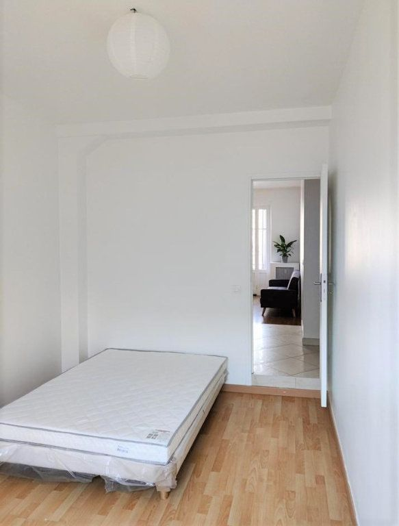 Appartement à louer 3 54.8m2 à Saint-Étienne vignette-3