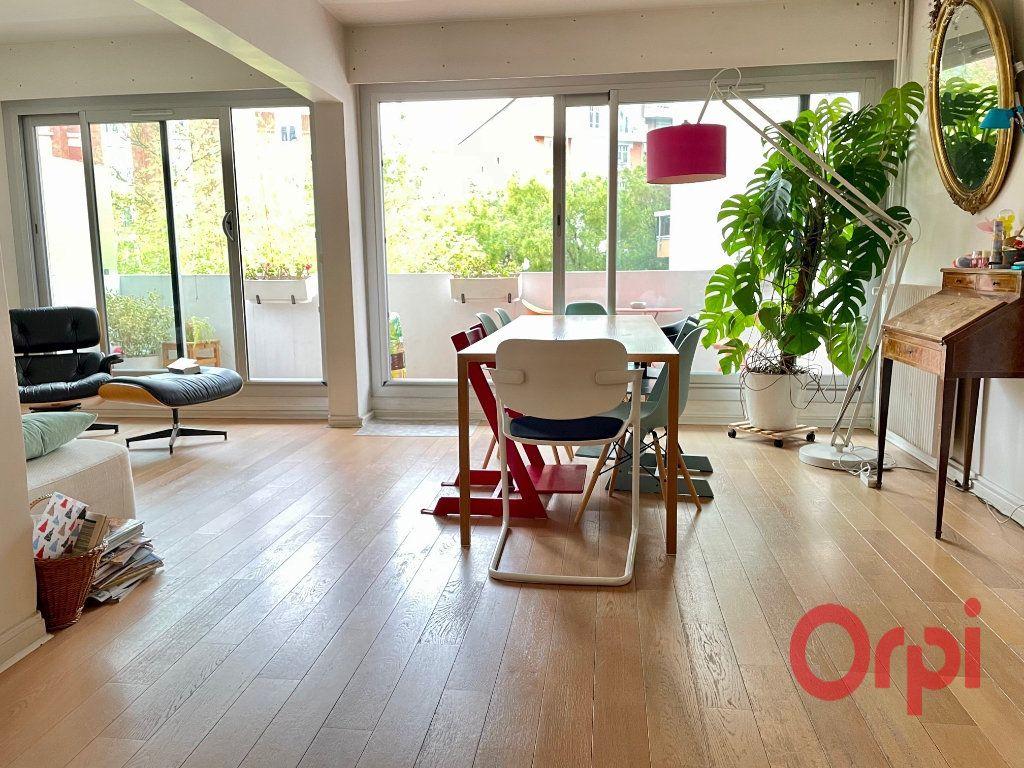 Appartement à vendre 4 98.18m2 à Paris 20 vignette-2