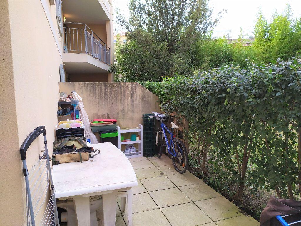 Appartement à vendre 2 31.3m2 à La Roque-d'Anthéron vignette-1