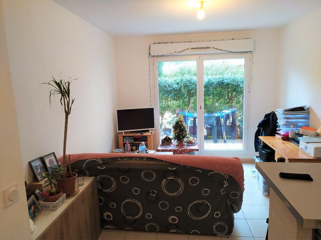 Appartement à vendre 2 31.3m2 à La Roque-d'Anthéron vignette-2