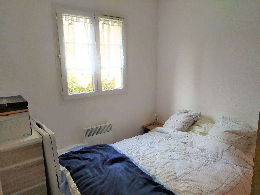 Appartement à vendre 2 31.3m2 à La Roque-d'Anthéron vignette-4