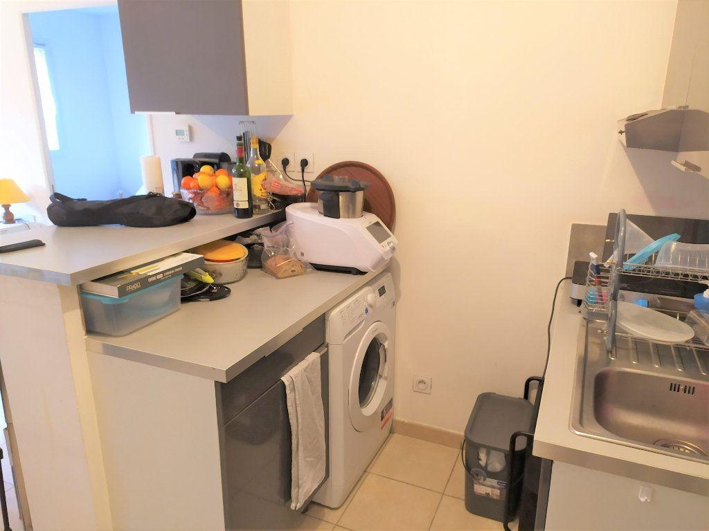 Appartement à vendre 2 31.3m2 à La Roque-d'Anthéron vignette-5