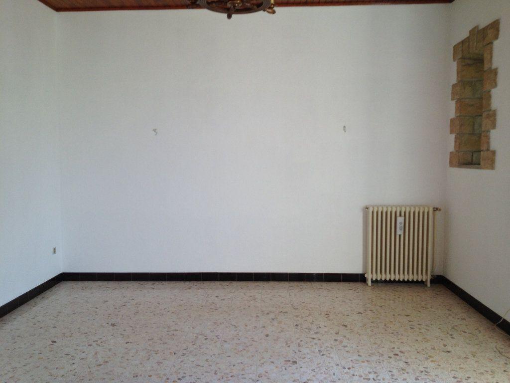 Maison à louer 3 83m2 à Mallemort vignette-3