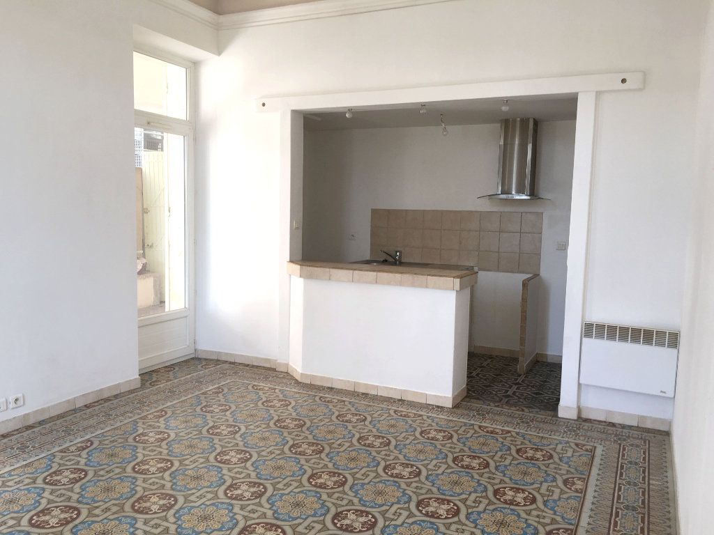 Appartement à louer 2 41m2 à Mallemort vignette-1