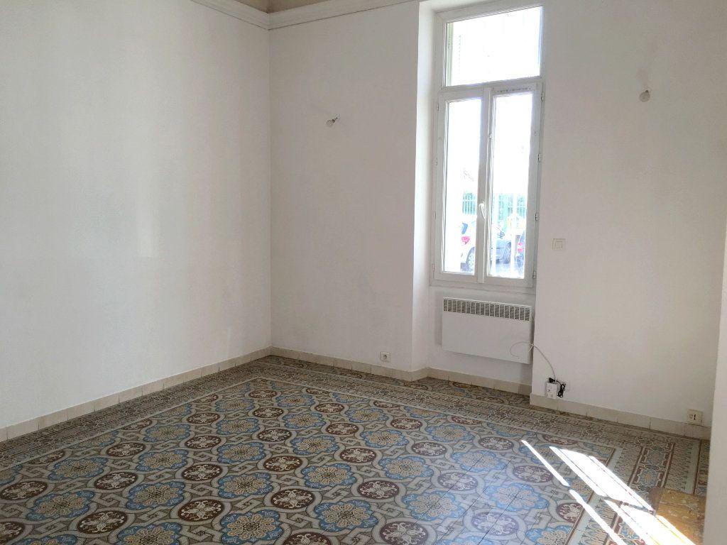 Appartement à louer 2 41m2 à Mallemort vignette-2