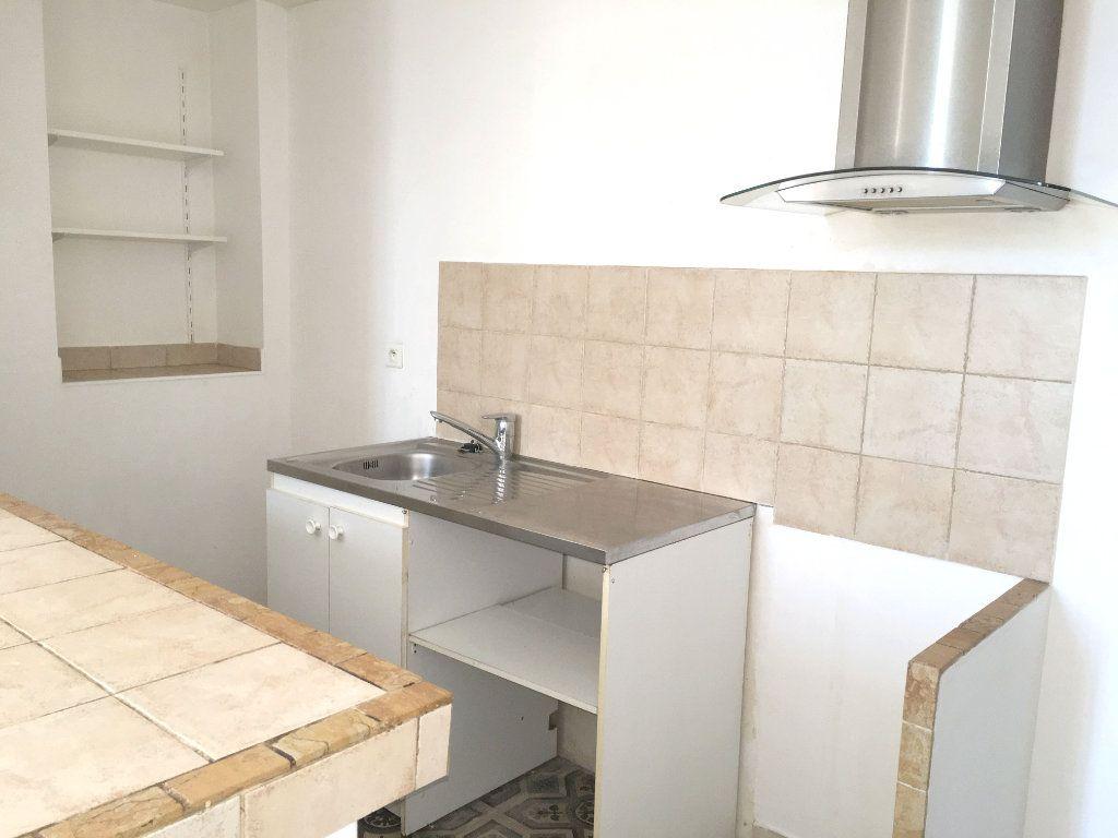 Appartement à louer 2 41m2 à Mallemort vignette-3