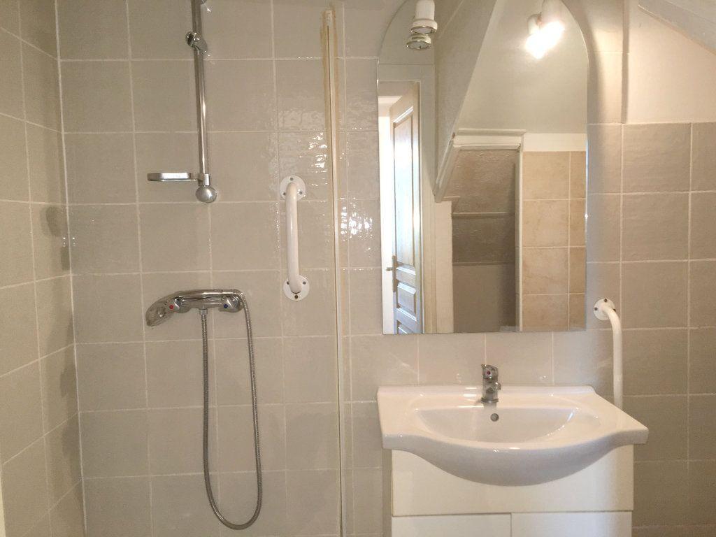 Appartement à louer 2 41m2 à Mallemort vignette-4