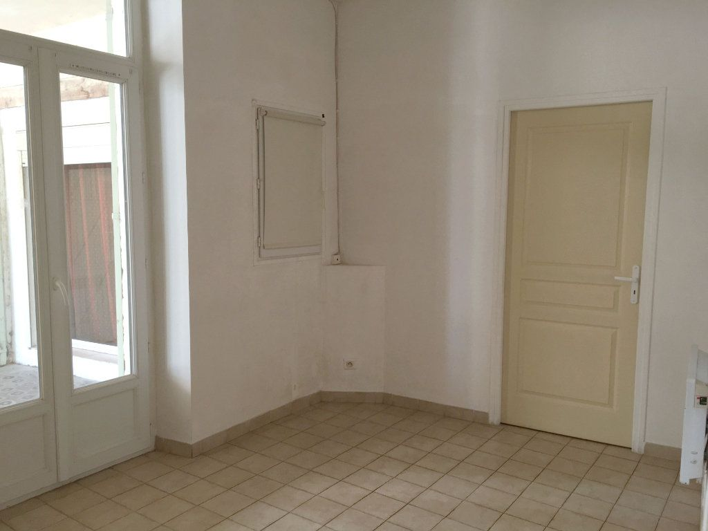 Appartement à louer 2 41m2 à Mallemort vignette-5