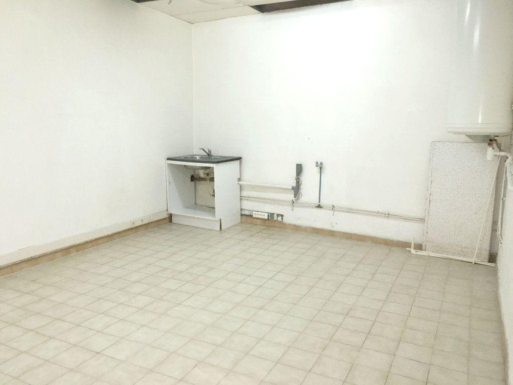 Appartement à louer 2 41m2 à Mallemort vignette-6