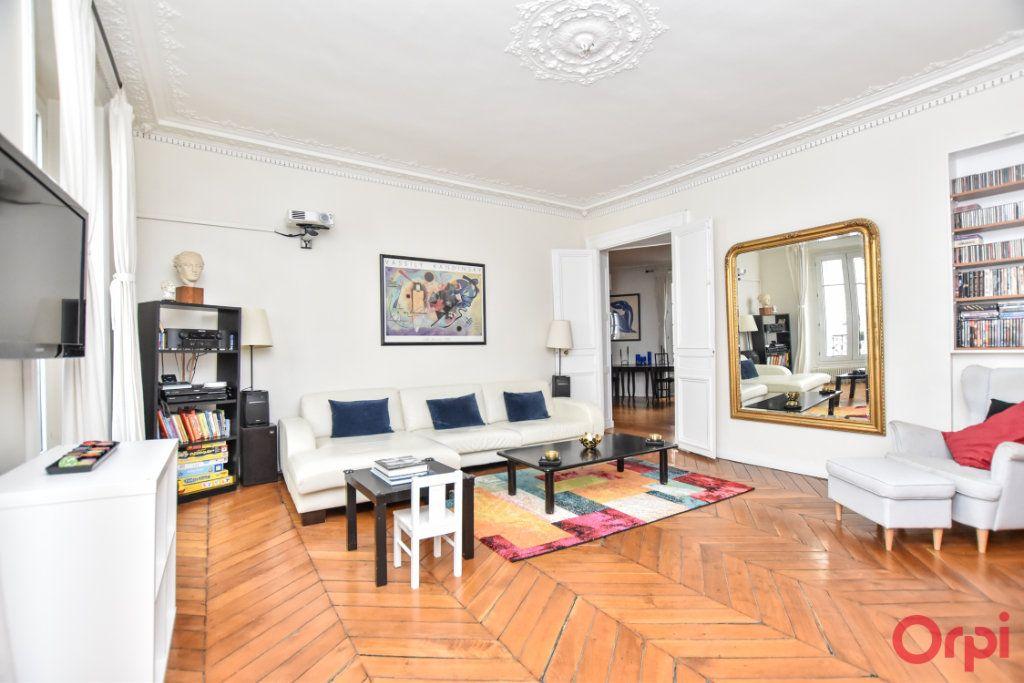 Appartement à vendre 5 128.6m2 à Paris 9 vignette-2