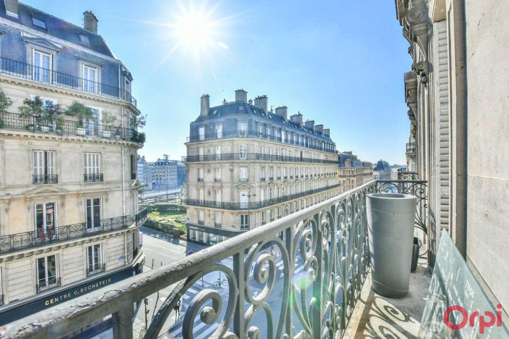 Appartement à vendre 4 100m2 à Paris 8 vignette-1