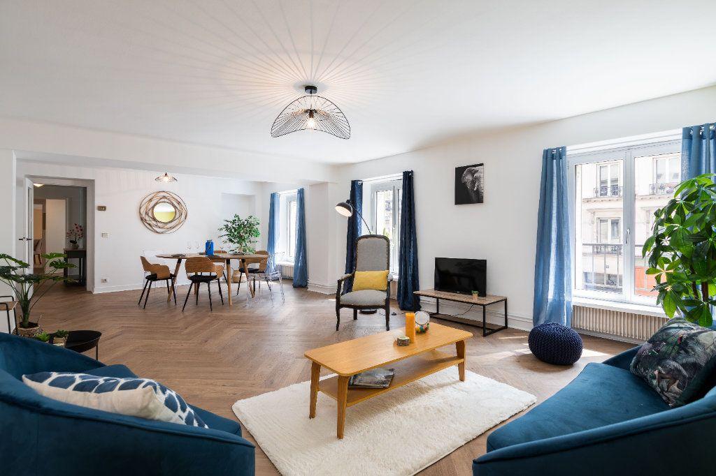 Appartement à vendre 5 122m2 à Paris 10 vignette-2