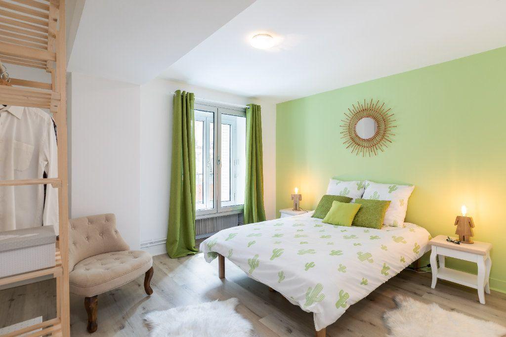Appartement à vendre 5 122m2 à Paris 10 vignette-4
