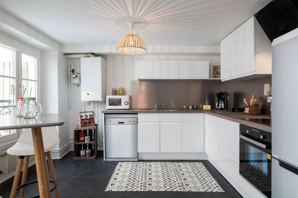 Appartement à vendre 5 122m2 à Paris 10 vignette-6