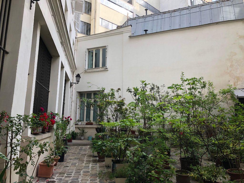 Appartement à vendre 5 122m2 à Paris 10 vignette-10
