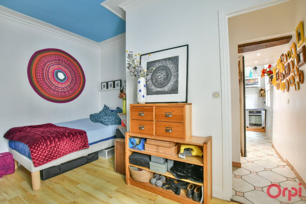 Appartement à vendre 3 62.47m2 à Paris 9 vignette-4