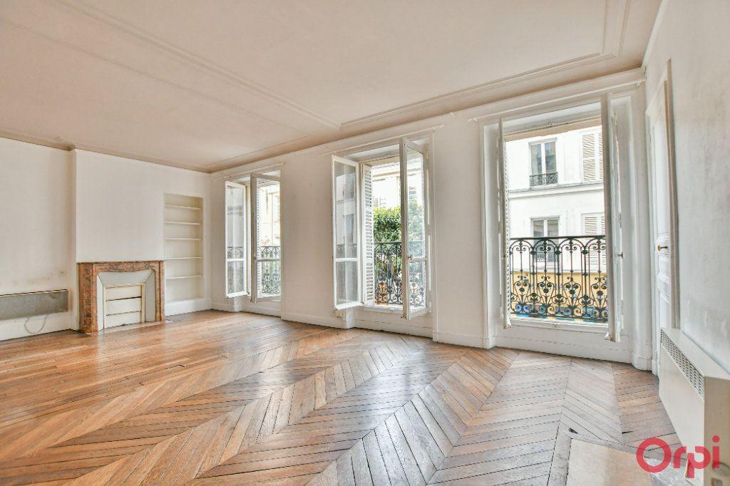 Appartement à vendre 3 60m2 à Paris 18 vignette-1