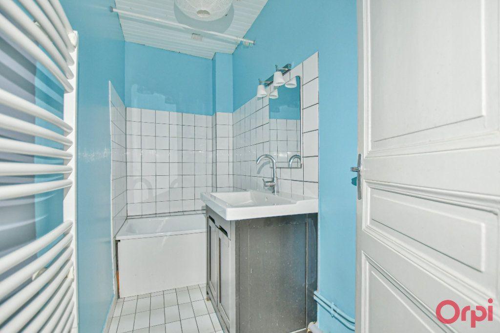 Appartement à vendre 3 60m2 à Paris 18 vignette-6