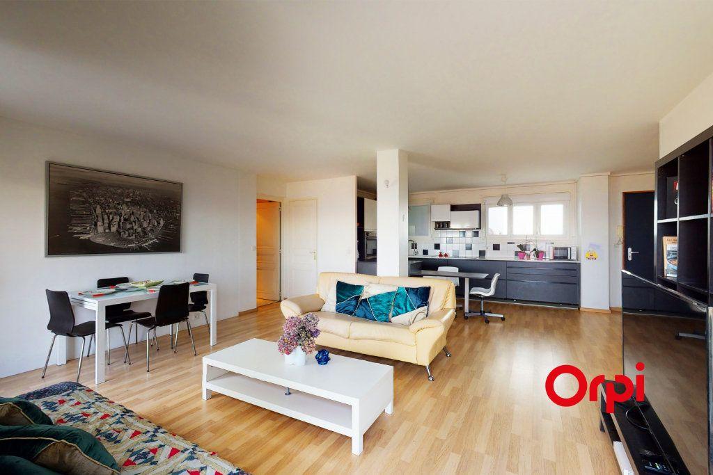 Appartement à vendre 6 143.07m2 à Lyon 5 vignette-2