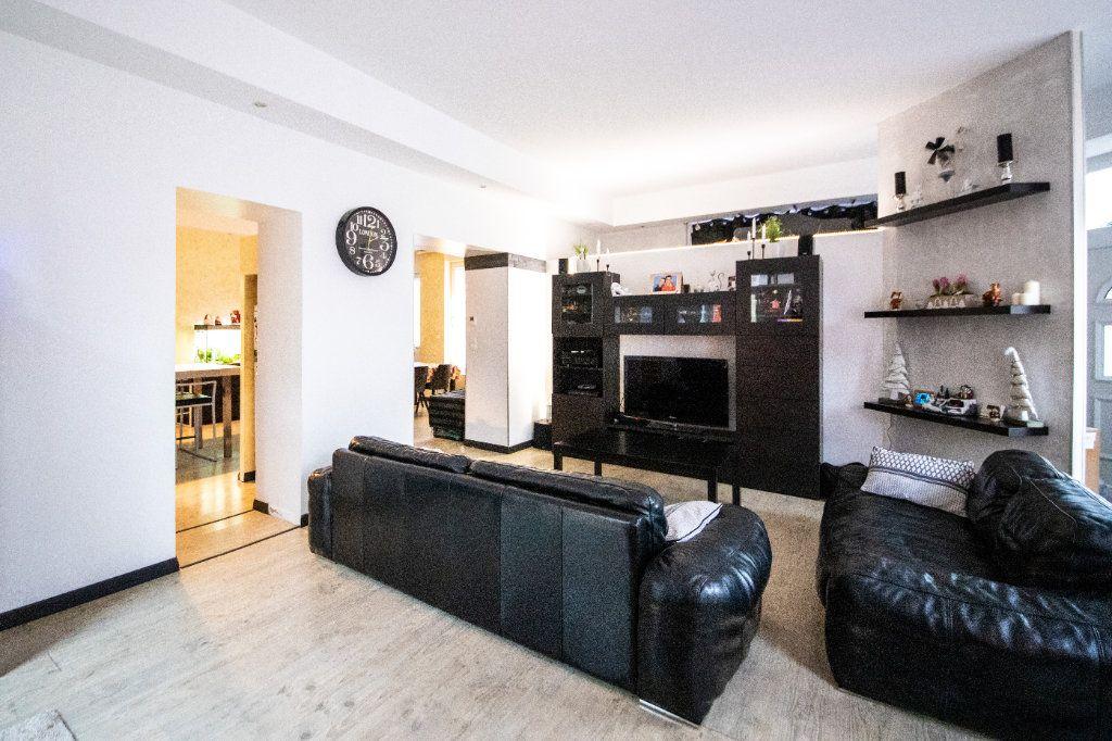 Maison à vendre 9 217m2 à Cormicy vignette-1