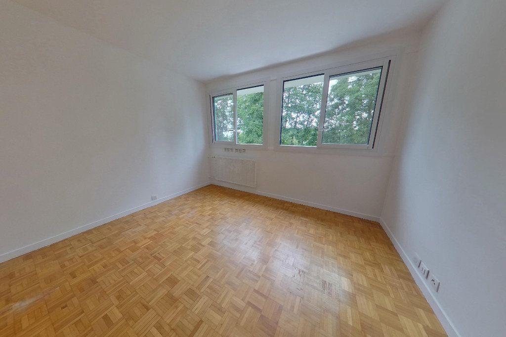 Appartement à louer 3 62.79m2 à Sèvres vignette-1