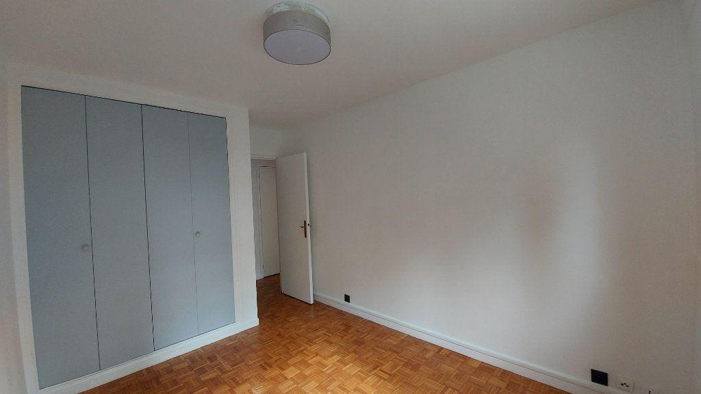 Appartement à louer 3 62.79m2 à Sèvres vignette-6
