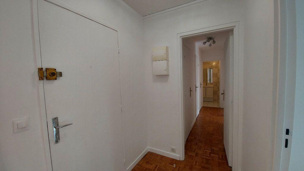 Appartement à louer 3 62.79m2 à Sèvres vignette-10