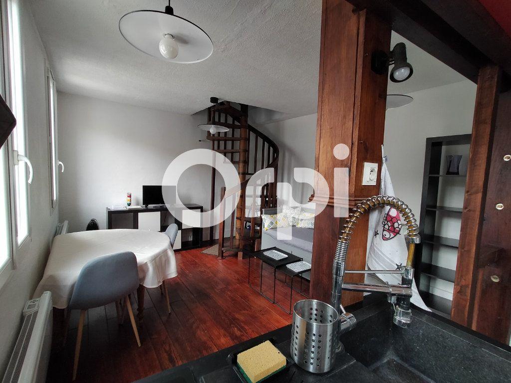 Appartement à louer 2 29m2 à Sèvres vignette-2