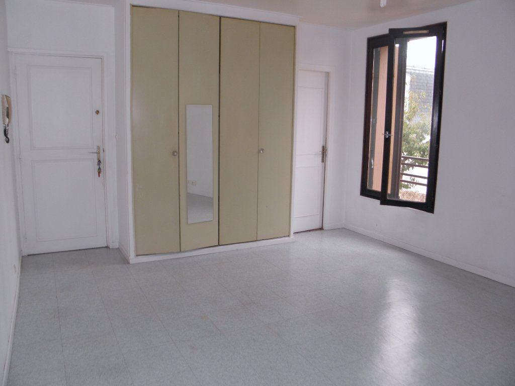 Appartement à louer 1 24.22m2 à Châtenay-Malabry vignette-1