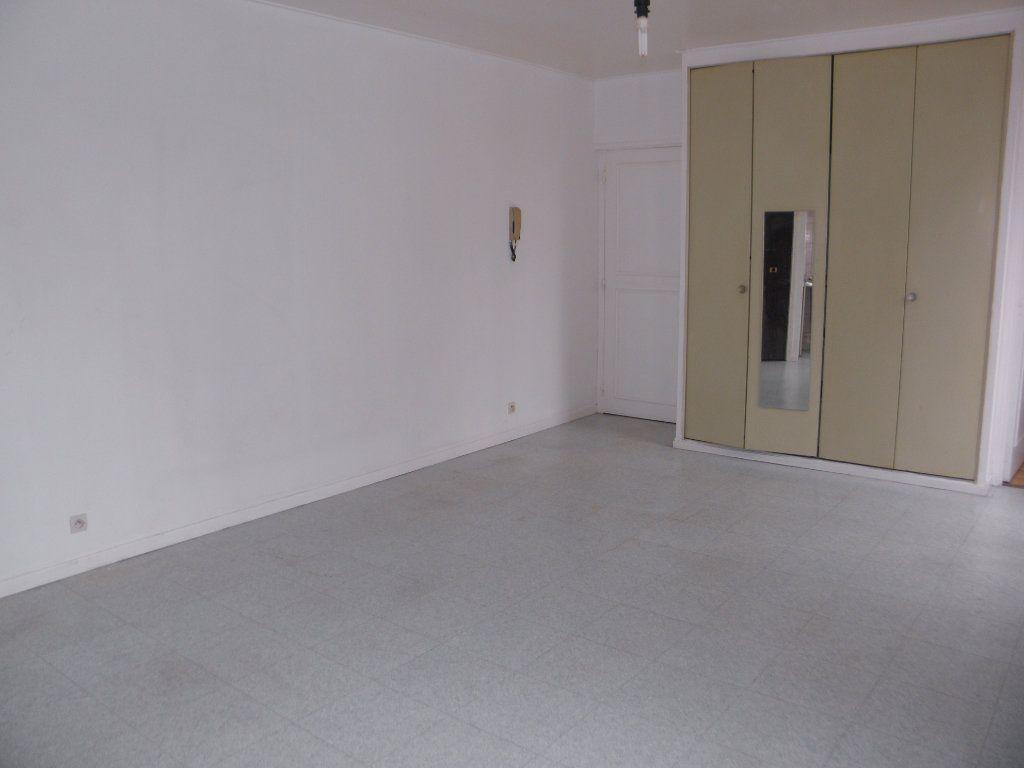 Appartement à louer 1 24.22m2 à Châtenay-Malabry vignette-5