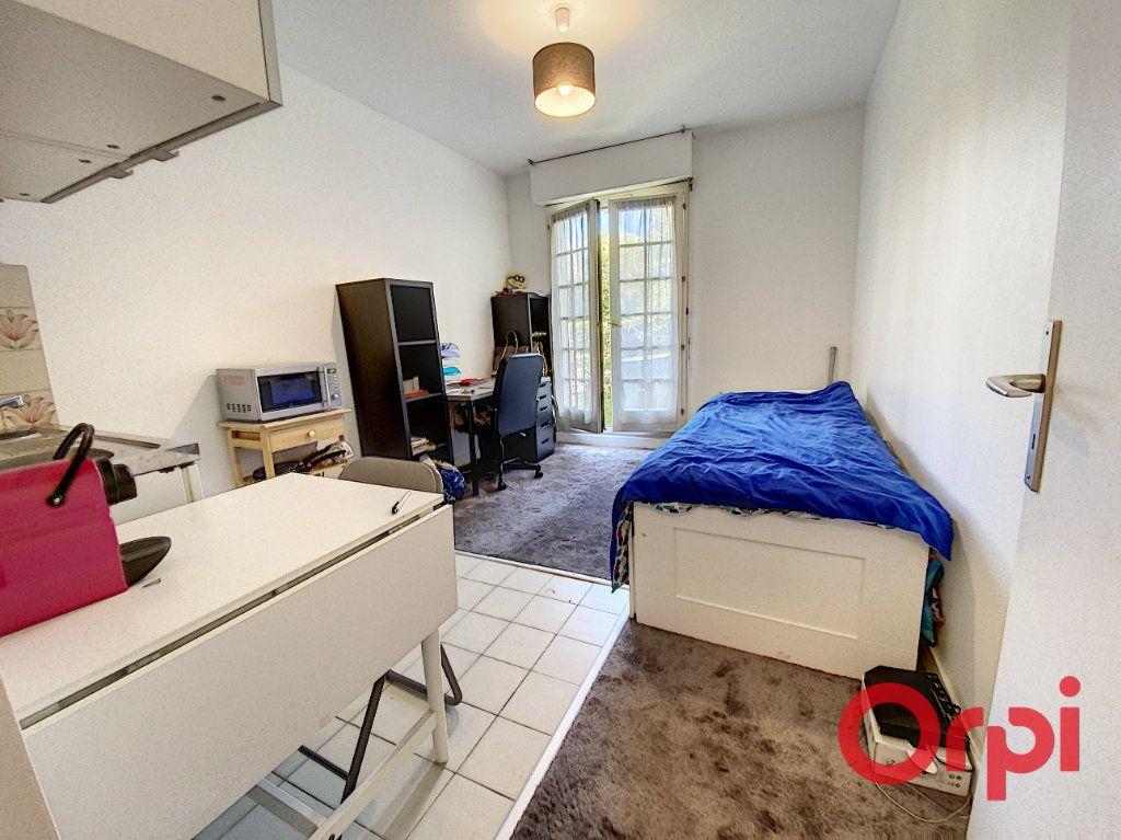 Appartement à louer 1 18m2 à Châtenay-Malabry vignette-1