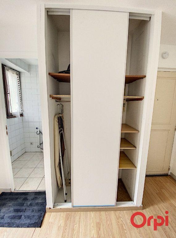 Appartement à louer 1 21.97m2 à Châtenay-Malabry vignette-8