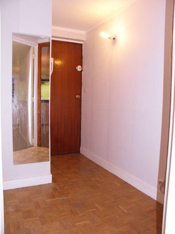 Appartement à louer 2 46.6m2 à Châtenay-Malabry vignette-8