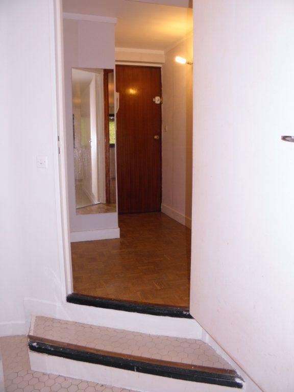 Appartement à louer 2 46.6m2 à Châtenay-Malabry vignette-9