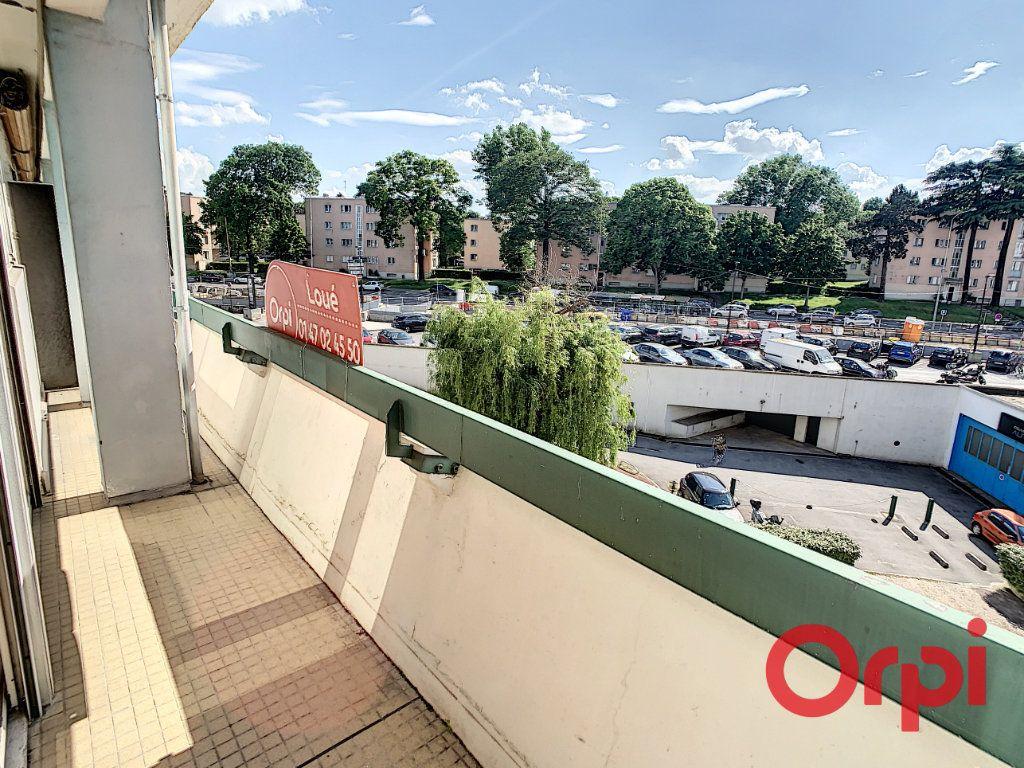Appartement à louer 2 47.17m2 à Châtenay-Malabry vignette-3