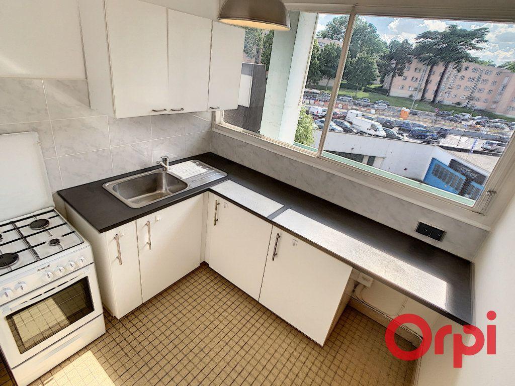 Appartement à louer 2 47.17m2 à Châtenay-Malabry vignette-17