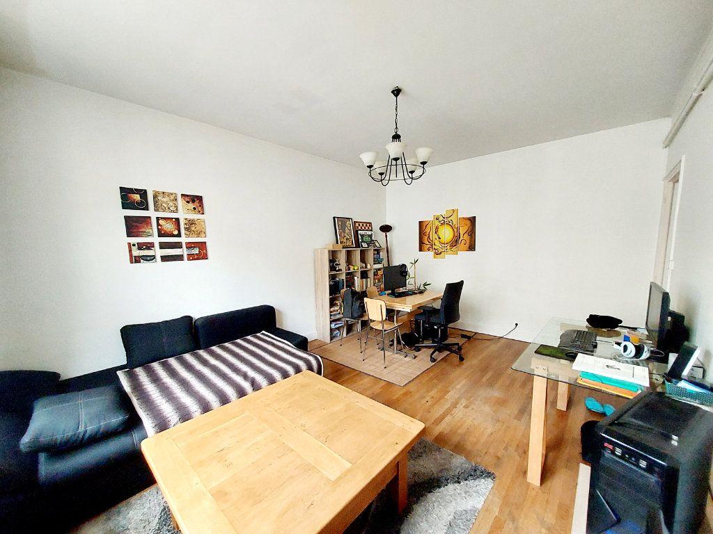Appartement à vendre 2 47.69m2 à Dijon vignette-2