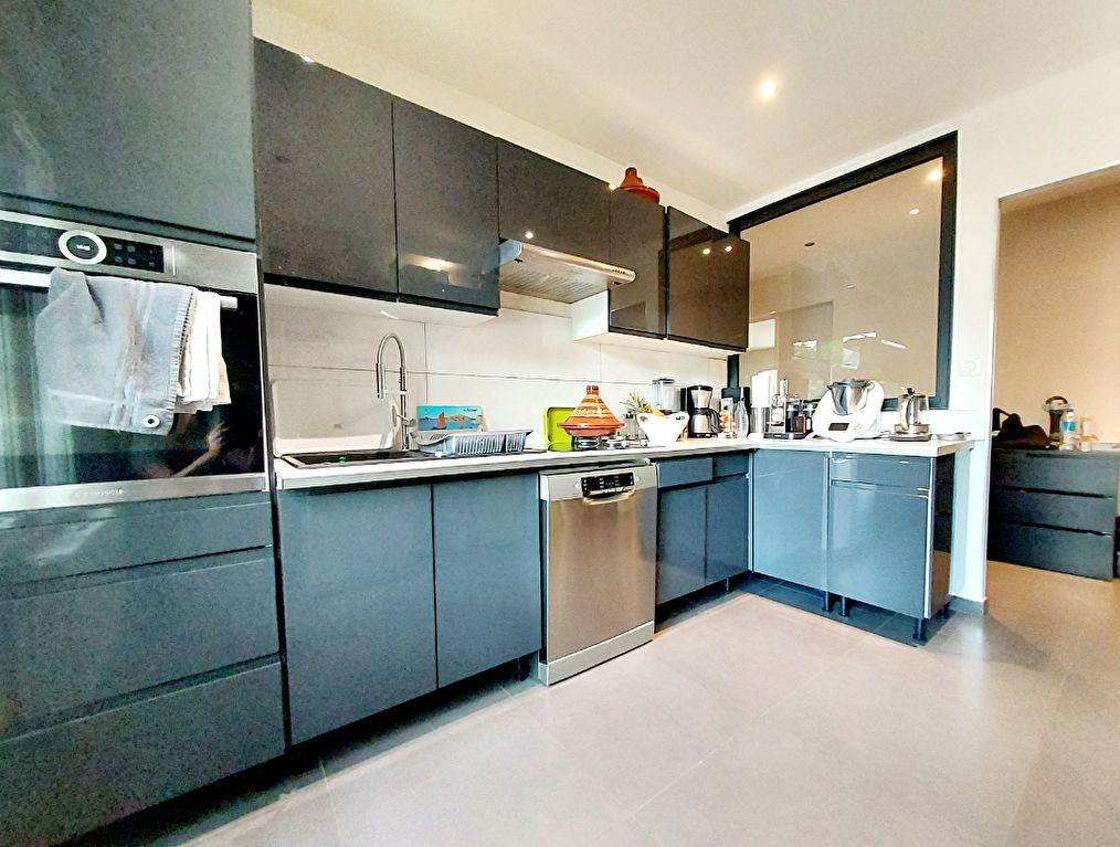 Appartement à vendre 4 92.1m2 à Dijon vignette-1