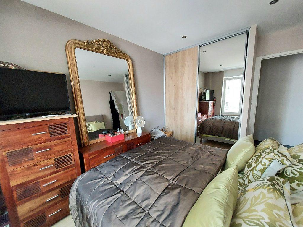 Appartement à vendre 4 92.1m2 à Dijon vignette-6