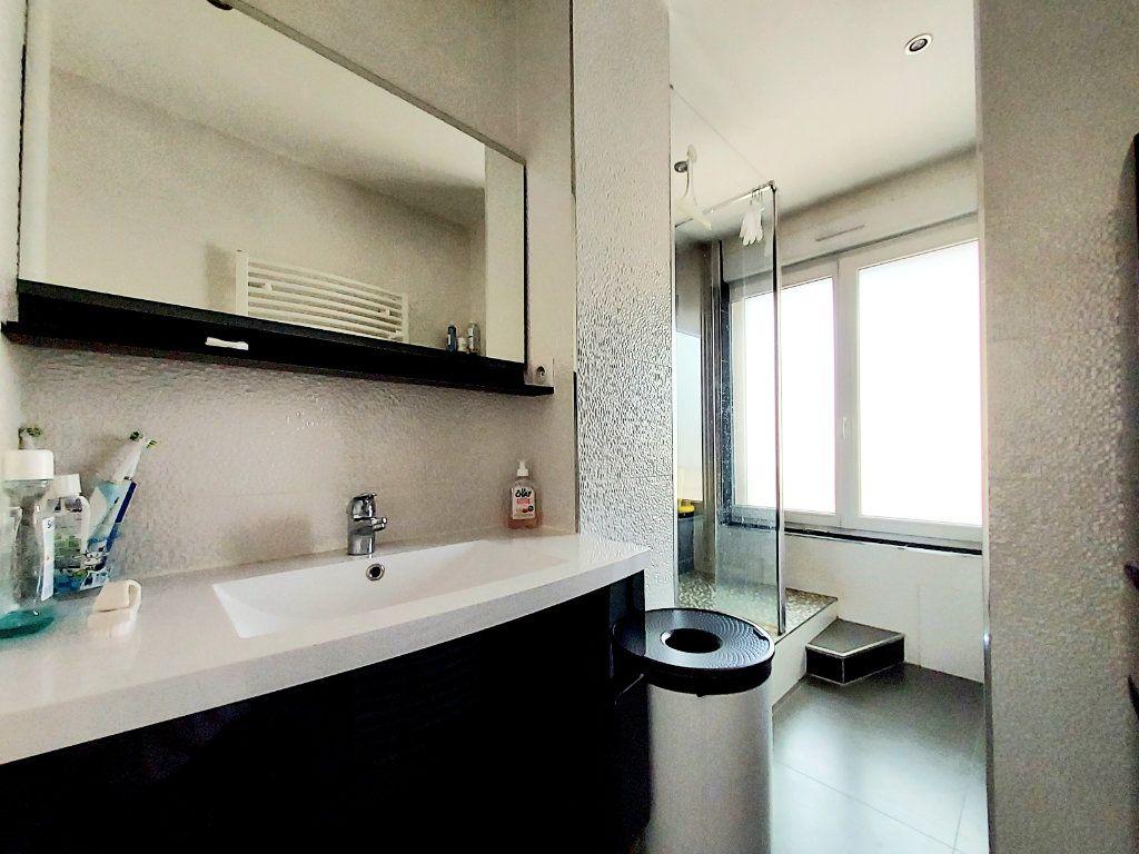 Appartement à vendre 4 92.1m2 à Dijon vignette-8