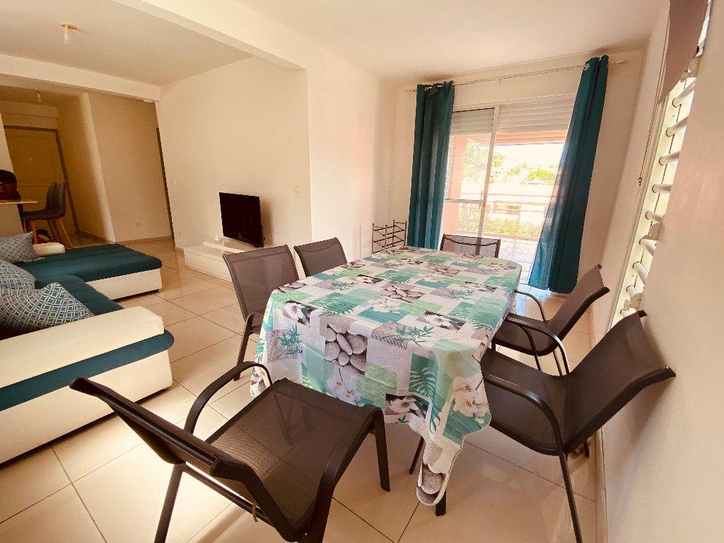 Appartement à louer 3 66.6m2 à Les Trois-Îlets vignette-2