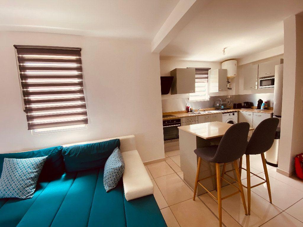 Appartement à louer 3 66.6m2 à Les Trois-Îlets vignette-7