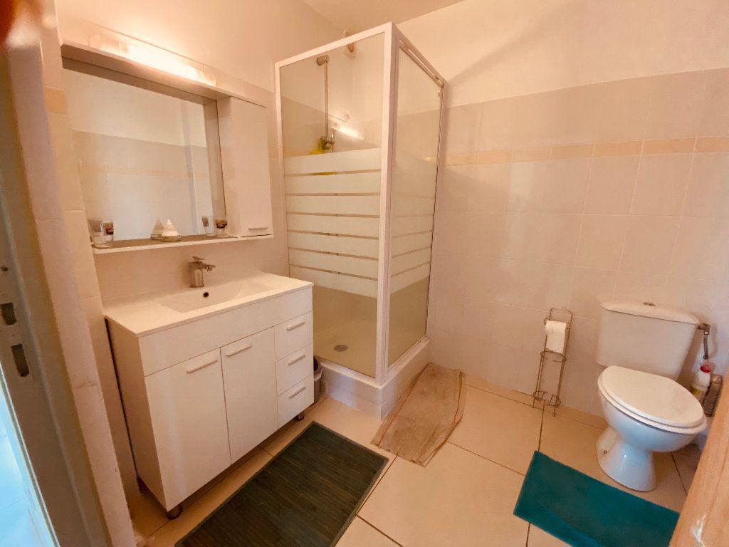 Appartement à louer 3 66.6m2 à Les Trois-Îlets vignette-13