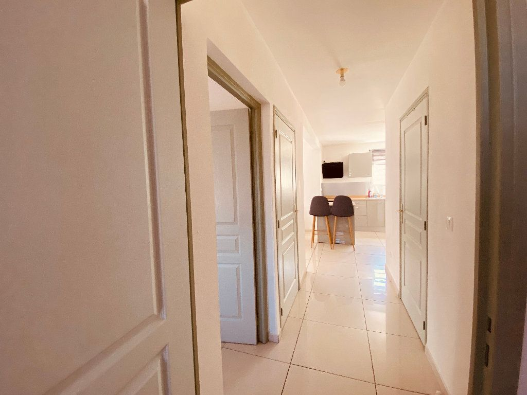 Appartement à louer 3 66.6m2 à Les Trois-Îlets vignette-15