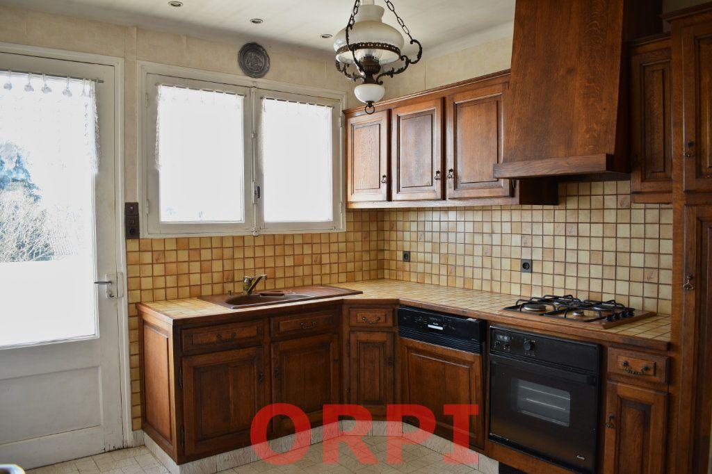 Maison à vendre 4 87m2 à La Roche-sur-Yon vignette-4