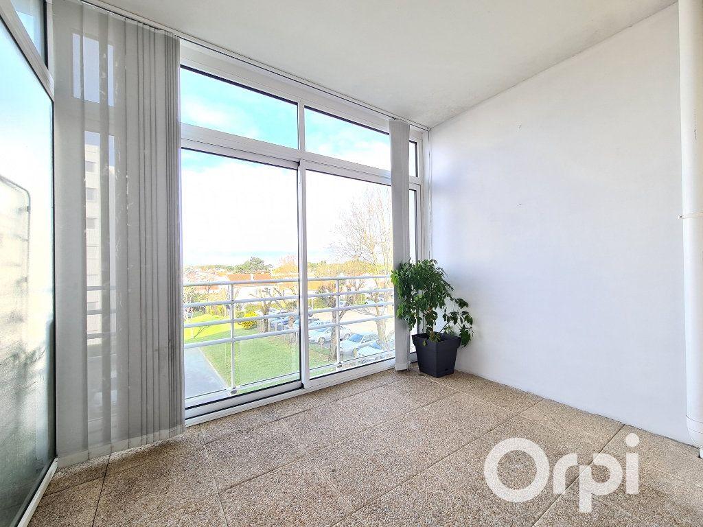 Appartement à louer 2 50m2 à Royan vignette-1