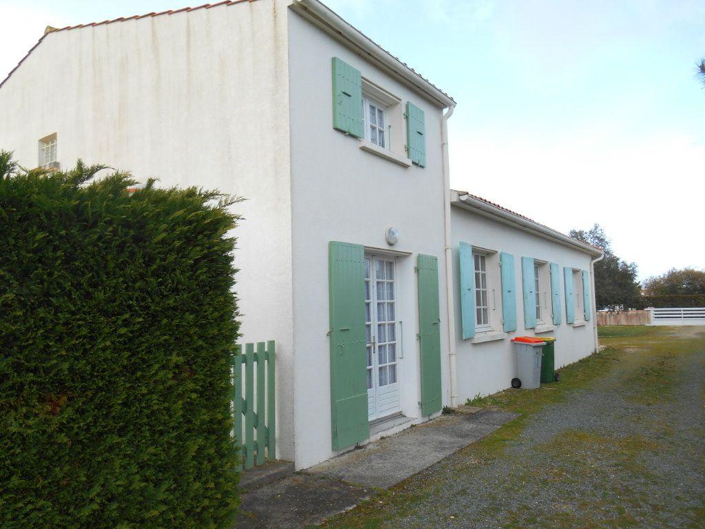 Maison à vendre 9 150m2 à Saint-Denis-d'Oléron vignette-2