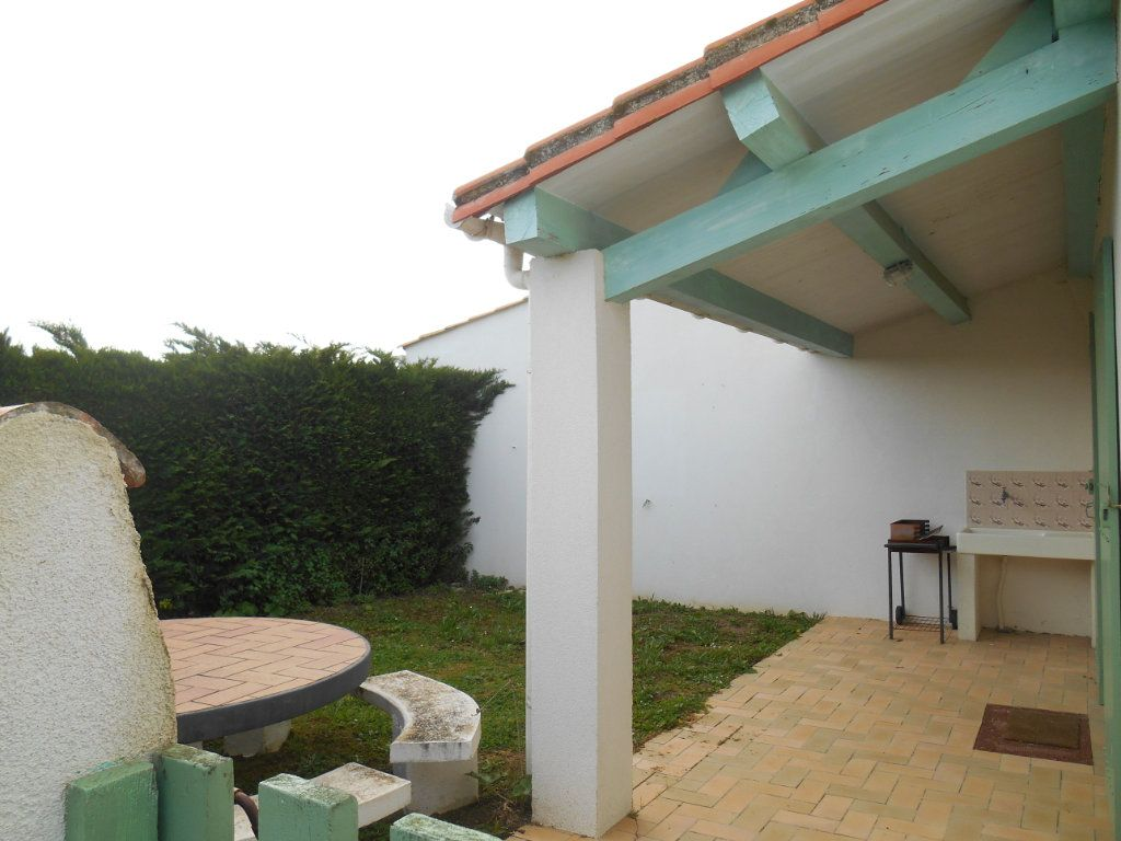 Maison à vendre 9 150m2 à Saint-Denis-d'Oléron vignette-3